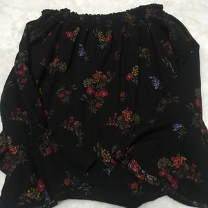 Off the shoulder, Black/floral long sleeve